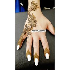 Mehendi (Lawsonia inermis) is a small freckle whose leaves are used to make girlfriends Palm Henna Designs, Latest Henna Designs, Arabic Henna Designs, Modern Mehndi Designs, Mehndi Design Pictures, Bridal Henna Designs, Beautiful Henna Designs, Henna Tattoo Designs, Mehndi Images