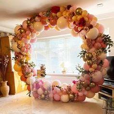 LUXE BALLOON CO 🇬🇧 (@luxe.balloon.co) • Instagram photos and videos Decoration Party, Balloons, Photo And Video, Videos, Frame, Photos, Instagram, Home Decor, Homemade Home Decor