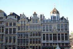 weekend à Bruxelles en décembre avec le marché de noël, la grand place par radis rose http://radisrose.fr/noel-bruxelles/ #noel #bruxelles #chocolat