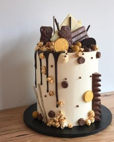 4th Birthday Cakes, 18th Birthday Party, Chocolate Cake Designs, Chocolate Cakes, Tall Cakes, Drip Cakes, Cake Decorating, Decorating Ideas, Love Cake