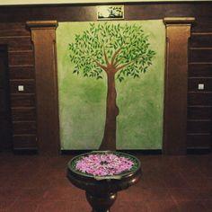 What an art... #painting #wallart #architecture #tree #gogreen #palaniresort  #peacockinn