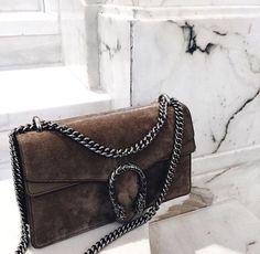 Trifft das hier dein Geschmack? Dann wirst du die unglaublichen Angebote auf dieser Seite lieben: www.nybb.de #fashion #style #Gucci #handtasche