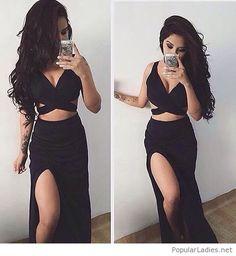 Long skirt, crop top and a tattoo