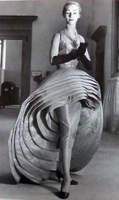Capucci's 'Nove Goone' (Nine Skirts) 1956. ♛   ♛~✿Ophelia Ryan ✿~♛