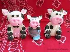 Fondant cows so cute I want to try and make them for my cake!!!