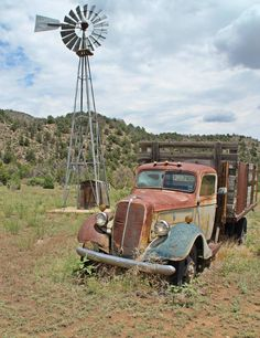 Old ford truck (photo by les riggs) old trucks in 2019 автом Ford Trucks, Old Pickup Trucks, Abandoned Cars, Abandoned Places, Farm Windmill, Windmill Art, Pompe A Essence, Old Windmills, Old Fords