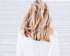 6 blonds « surfeuse » que l'on adore — Service de coiffure à domicile 7j/7 – The reporthair