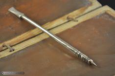 Stylet en bronze et tablette de cire Bronze, Tools, Stylus, Surfboard Wax, Instruments