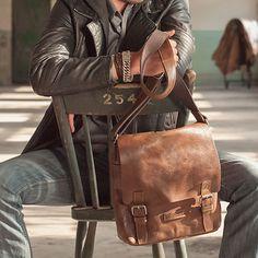 Laurens Messenger Bag - Brown Leather - by Renee by Castelijn & Beerens #MONOQI