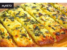 Healthy Garlic Bread, Garlic Cheese Bread, Air Fryer Recipes Keto, Keto Recipes, Atkins Recipes, Healthy Recipes, Keto Meal Plan, Diet Meal Plans, Keto Diet Fast Food