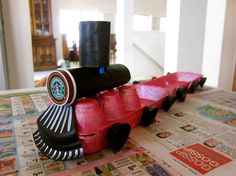 Upcycle: Egg Carton Train by Kristina Hoy - perfect for little ones. Kids Crafts, Toddler Crafts, Preschool Crafts, Projects For Kids, Diy For Kids, Diy Projects, Cardboard Train, Train Crafts, Transportation Crafts