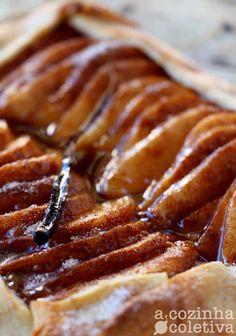 A Cozinha Coletiva: Torta Rústica de Peras