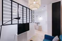 🔲 . . . #investissementlocatif #instagood #instadecor #instadesign #interiordesign #interior #architecture #white #scandinaviandesign #design #decoration #potd #picoftheday #white #furniture #paris #france #igers #photography #decoration #lights #lunch #home #homedecor #verriere #chair
