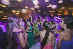 #Weddings #bride #lovely #weddingideas #weddingdress #vintagedress #bride #portrait #makeupbride #peru #film #couples #destinationwedding #rings #perfectkiss #kiss #inlove #chachani #arequipa #arequipa #diasoleado #nellypostigo #cateringarequipa #cateringnellypostigo #dance #enjoy #happy #happyday #sohappy #girls #party