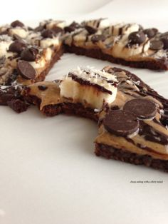 Paleo dessert pizza - This looks so good. U will have to take the time to do this some time