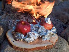 Fylte epler Sailboat Living, Plum, Bbq, Pudding, Desserts, Food, Barbecue, Deserts, Custard Pudding