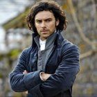 Poldark returns to MASTERPIECE on PBS in June in an all-new production starring Aiden Turner (The Hobbit) and Eleanor Tomlinson Ah something to hold me over till Outlander season 2 ! Poldark 2015, Demelza Poldark, Ross Poldark, Aiden Turner, Adrian Turner, Poldark Actors, Poldark Series, Poldark Books, Poldark Cast