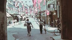 """Gedenken an 1938 """"Gau-Hauptstadt"""" Krems blieb ohne Glanz Im Juli vor 80 Jahren wurde Krems Gauhauptstadt von """"Niederdonau"""". Doch die Hauptstadt-Träume zerplatzten bald. Street View, Period Story, Sparkle"""
