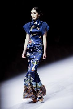 NE-TIGER Haute Couture Collection during the Mercedes-Benz China Fashion Week Spring/Summer 2016 Beijing, China. China Fashion, Fashion Beauty, Very Pretty Girl, Pretty Girls, Mercedes Benz, Tiger, Ao Dai, Ethnic Fashion, Couture Collection