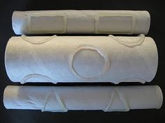 Playdoh rolling pin - use glue gun to make bumps on rolling pin (com cola quente é possível produzir inúmeras texturas para trabalho com tinta e massinha)
