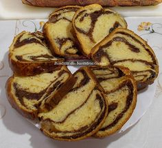 Cozonac pufos cu smantana - Bunătăți din bucătăria Gicuței Baking Recipes, Dessert Recipes, Desserts, Home Food, Easter Recipes, Carne, French Toast, Bread, Breakfast