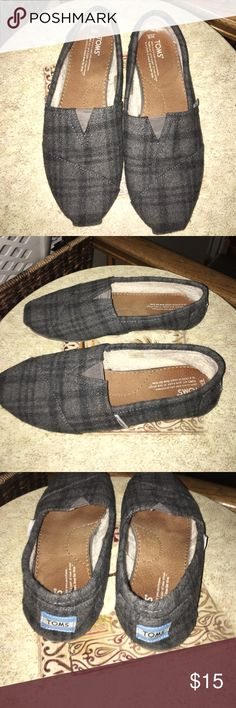 Size 9 gray plaid TOMS Gray Toms in plaid print. Only worn a few times. Women's size 9. Super comfy and cute. No odor. Smoke free and pet free home. TOMS Shoes Slippers