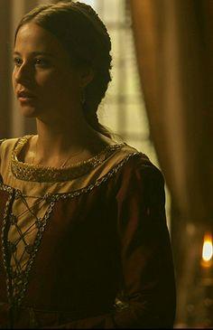 IRENE ESCOLAR (Juana la loca en la serie Isabel)