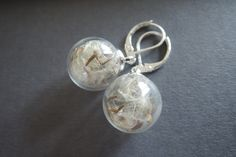 Lange oorbellen - Paardebloem glazen bol bengelen zilveren oorbellen - Een uniek product van MadamebutterflyMeagan op DaWanda