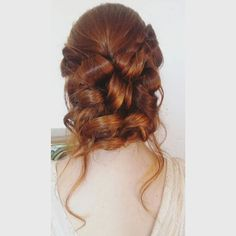 "'Penteado feito por mim para Editorial de Noiva ""Delicadeza ao Ar Livre"". #penteado #penteadonoiva #cabelo #trança #coque #noiva #diadanoiva #casamento #hair #hairstyle #bridehair #bridalhair #wedding #weddingday #love #braid' by @silviamkp.  #bridesmaid #невеста #parties #catering #venues #entertainment #eventstyling #bridalmakeup #couture #bridalhair #bridalstyle #weddinghair #プレ花嫁 #bridalgown #brides #engagement #theknot #ido #ceremony #congrats #instawed #married #unforgettable #romance…"