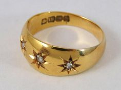 380) Fine Antique (1917) 18ct gold three stone diamond gypsy ring – 5.6g – size N - in antique leather ring box Est. £150-£170