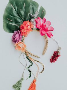 Diy Tiara, Diy Wedding Dress, Wedding Headband, Carnival Fantasy, Havana Nights Party, Costume Carnaval, Crazy Hats, Floral Headpiece, Tropical Party