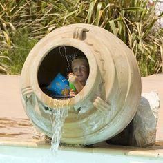 Une partie de cache cache  #piscine #jeux #aquatiques #plaisirs #enfant…