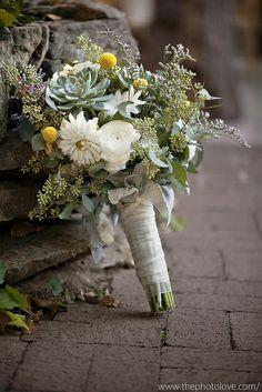 Succulent bouquet. Photo Love Photography