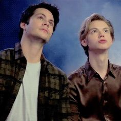 Dylan O´Brien and Thomas Sangster gif
