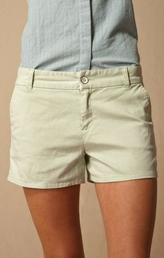DEW KIST TROUSER POCKET BERMUDA SHORT.