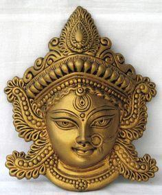 Brass Made Antique Wall Hanging Decor of Maa Durga Indian Gods, Indian Art, Buddha Kopf, Sculpture Art, Sculptures, Wall Painting Decor, Wall Decor, Tanjore Painting, Krishna Painting