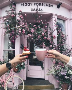"""5,685 Likes, 84 Comments - London Coffee shops (@londoncoffeeshops) on Instagram: """"Morning london . Its time for coffee ☕️ and Eton mess cup cake 🍓🍰 at Peggy Porschen cakes  Loving…"""""""