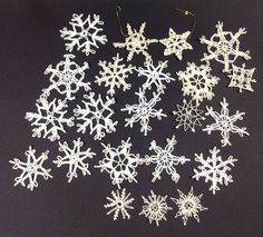 Vintage Crochet Snowflake Ornament Set Vintage by PinkHenStudio