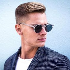 Check out our brand new guide to the most popular men's hairstyles and cool new haircuts. Cool Mens Haircuts, Cool Hairstyles For Men, Classic Hairstyles, Best Short Haircuts, Cool Haircuts, Men's Haircuts, Men's Hairstyles, Hairstyles Pictures, Popular Haircuts