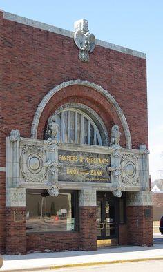 Farmers and Merchants Union Bank. Columbus, Wisconsin. 1919. Louis Sullivan