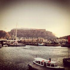 Zon, zee strand, prachtige natuur, en leuke mensen! Way Down, Cape Town, Strand, Four Square, South Africa, Paris Skyline, City, Travel, Beautiful