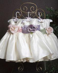 pretty flower girl dress!