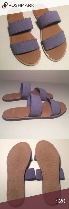 Sanuk Sandals These sandals are in great condition, only worn around the house a couple of times, they have a cushioned foam foot bed and the two straps have an elastic component. They are a size 7. Sanuk Shoes