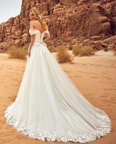 Oksana Mukha Wedding Dresses 2018 Lila-1 / http://www.deerpearlflowers.com/oksana-mukha-wedding-dresses-2018/4/