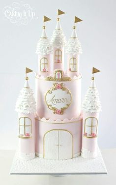 Princess Castle Birthday Cake These 13 Amazing Princess Cake Ideas are perfect for any princess birthday party! Find your favorite princess birthday cake for your little one's party! 1st Birthday Princess, Princess Theme, Birthday Cake Girls, Birthday Parties, Princess Cakes, Princess Dresses, 4th Birthday, Birthday Celebration, Birthday Ideas