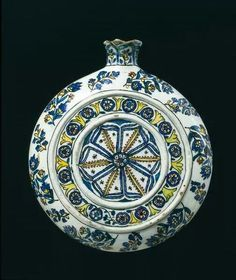 Pilgrim flask Kütahya (City), Turkey (probably, made) Date: ca. (made) Artist/Maker: Unknown (production) Materials and Techniques: Fritware, polychrome underglaze painted, glazed Museum number: V&A Turkish Tiles, Turkish Art, Science Crafts, Science Art, Ceramic Pottery, Pottery Art, Ottoman, Chinese Ceramics, Grand Palais
