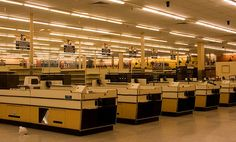 checked out by Fenchurch!, via Flickr.  Abandoned Albertsons grocery store