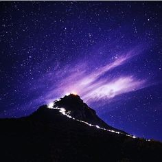 Magical Adams Peaks #SriLanka  Photo @chamodh.lk  #TravelSriLanka #VisitSrilanka #Travel #adamspeak #Nature #treking #hike #sunrise #mountains #nature #holiday #sky #hillcountry
