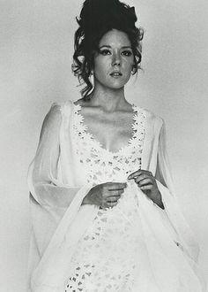 Diana Rigg est la Comtesse Teresa di Vincenzo, épouse de James Bond (1969) - Au service secret de Sa Majesté (On Her Majesty's Secret Service)