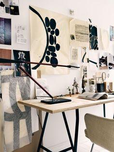 Chez moi, le coin bureau est un espace que j'affectionne particulièrement et que j'imagine toujoursen perpétuel changement. Pour moi il n'est pas forcément synonyme de «travail» mais plutôt de créativité. J'aime pouvoir profiter autant que…